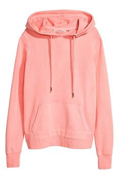 Fashion and quality clothing at the best price - H&M IN Hoodie Sweatshirts, Liu Jo, Modern Outfits, Cool Outfits, Neon Pink Tops, Trendy Hoodies, Marvel Clothes, Cute Jackets, Moda Masculina