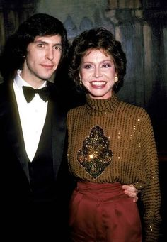 Mary Tyler Moore with husband Robert Laura Petrie, Cute Celebrity Couples, Mary Tyler Moore, Her Smile, Famous People, Love Her, Hollywood, Actresses, In This Moment
