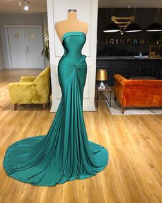 Glam Dresses, Event Dresses, Pretty Dresses, Fashion Dresses, Formal Dresses, Prom Outfits, Gowns Of Elegance, Classy Dress, Beautiful Gowns