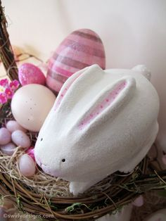 Swirly Designs by Lianne & Paul: Holiday How-to Easter: Bunny Egg Treat Box