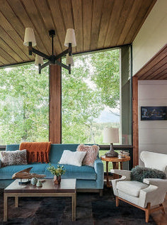 Sleek Modern Interior Decorating Idea (36)