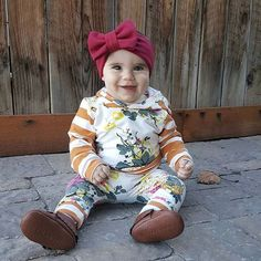 Omg the cuteness! Anyone else wearing comfy clothes today 🙌🏻👌🏼😝🙋🏻🙋🏻🙋🏻 Thanks for the share @ashwharton the solid big bow headbands are perfect for any outfit! • • • • #bigbowheadband #fallheadband #fashionkids #headband #fancybaby #ilikebigbowsandicannotlie #trendybaby #trendytots #trendykiddies #bowheadband #kidsfashion #bowsonbowsonbows #bowsonbows #bigbow #maroonbow #maroonheadband #girlmom #sweetnswag #forthelittles #shopsmall #shophandmade #trendytoddler #momlife #igkids…