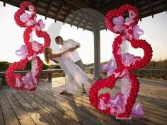 49 Amazing Valentine Decoration Ideas Using Balloon - Decoralink Wedding Balloon Decorations, Balloon Centerpieces, Wedding Balloons, Valentines Day Decorations, Balloon Columns, Balloon Arch, Ballon Arrangement, Deco Ballon, Valentines Balloons