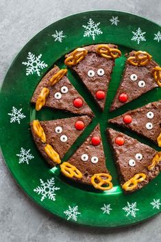 It's Time For Cute Reindeer Chocolate Brownies: Perfect For Christmas Baking The Kids Will Love Making Them And You Will Love The Low Sugar Brownie Batter Christmas Baking Christmas Desserts Party Food Festive Recipes Cheap Christmas Gifts, Christmas Goodies, Christmas Desserts, Holiday Treats, Christmas Treats, Holiday Recipes, Christmas Parties, Christmas Holidays, Christmas Brownies