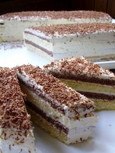 """Recept za ovaj jeftin i izdašan kolač je iz knjige """"Jugoslavenski kolači"""" iz… Czech Desserts, Sweet Desserts, Just Desserts, Sweet Recipes, Slovak Recipes, Czech Recipes, How To Make Cake, Food To Make, Cupcake Recipes"""