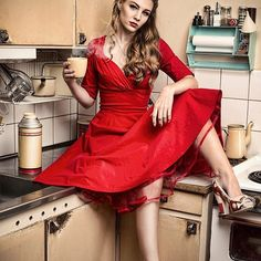 Retro shoot Model: Therese #nikon #nikond800 #captureone #elinchrom #pinup #pinupgirl #pinuphair #pinupstyle #pinupdress #pinupshoot #hairstyle #makeup #vintagefashion #vintagestyle #vintage #retro #kitchen #oldstyle #dress #reddress #highheels #coffee @essibella @stylistnetakalnina