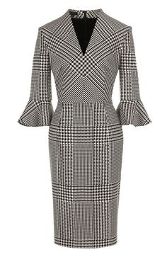 The fitted dress with a V-neck in the . Dressy Dresses, Simple Dresses, Elegant Dresses, African Fashion Dresses, African Dress, Modest Fashion, Fashion Outfits, Check Dress, Look Fashion