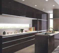 【施行例】LIXIL「アレスタ」のカップボード♪:システムキッチン・流し台・バス・トイレがお得 Kitchen Dining, Kitchen Cabinets, Home Reno, Interior Design Kitchen, Cool Kitchens, House Plans, House Design, Room, Cob House Kitchen