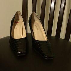 """Karen Scott Brown Heels Brand new Karen Scott heels. 3"""" heel in a fantastic texture. Great for the office! Karen Scott Shoes Heels"""