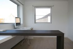 Workspace Design, Office Workspace, Home Office, Minimalist Decor, Minimalist Design, Office Environment, Industrial Office, Beautiful Interiors, Interior Styling