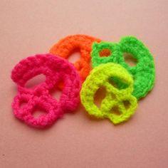 Crocheting: Skull Crochet Applique halloween