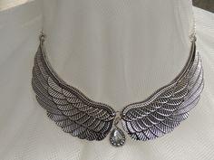 """Collier """"Ailes d'ange"""" en métal argenté vieilli : Collier par mes-secrets"""