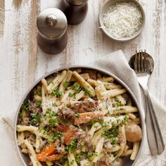 Casareccia with beef bourguignon Beef Pasta, Pasta Food, Beef Bourguignon, Penne, Bon Appetit, Pasta Recipes, Food Photography, Curry, Yummy Food