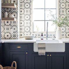 Fliesen Deko Ideen: Moderne Einbauküche, Schwarz Weiß Marokkanischen Fliesen,  Orientalische Küche | Küchenideen | Pinterest | Moroccan Kitchen, Kitchen  ...