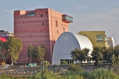 To Perpignan along Avenue Général Leclerc is located a giant concrete bubble 'the grenat,' a large theatre space accommodating 1100 guests and venue of Jean Nouvel, Theatre Architecture, French Artists, Europe, Mansions, House Styles, Building, Travel, Dreams