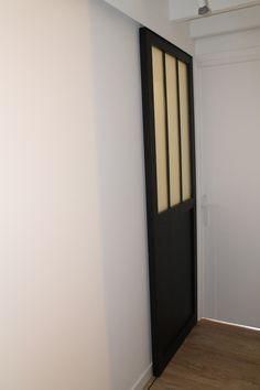 1000 id es sur le th me portes coulissantes de salle de - Porte coulissante salle de bain verre ...