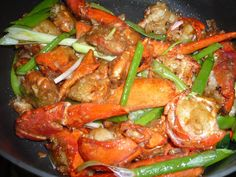 TrucVy-Zoe's Zone: Cantonese Lobster with Ginger and Scallion Lobster Dishes, Crab Dishes, Lobster Recipes, Crab Recipes, Seafood Dishes, Asian Recipes, Chinese Recipes, Asian Foods, Yummy Recipes