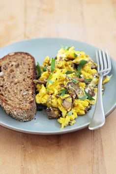 Scrambled Eggs with Mushrooms and Goats Cheese- AMAZING