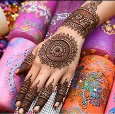 Intricate mehndi design. Artist unknown