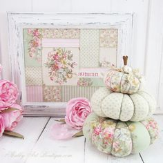 A softer shade of fall with this easy to make faux patchwork frame by Shabby Art Boutique