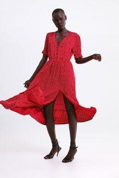a9bb037ae92 Εικόνα 1 του ΠΟΥΑ ΦΟΡΕΜΑ από Zara Γυναίκα, Μόδα, Couture, Ισπανικά, Κουμπιά