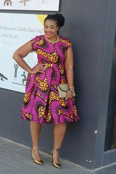 Like the Africans, they have a preference to wear a colorful dresses when they are going to attend a wedding party. Just take a look at these African wedding guest dresses. African Inspired Fashion, Latest African Fashion Dresses, African Print Dresses, African Print Fashion, Africa Fashion, African Dress, African Prints, African Attire, African Wear