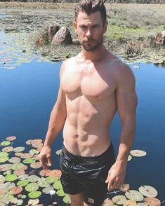 4,067 Me gusta, 32 comentarios - Chris Hemsworth Actors Male, Marvel Actors, Actors & Actresses, Chris Hemsworth Thor, Hemsworth Brothers, Hollywood Men, Beautiful Men, Sexy Men, Hot Guys