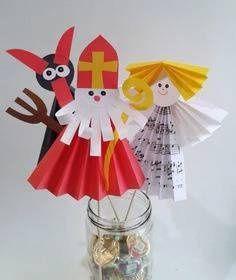 anděl mikuláš čert (barevné papíry, kuchyňská špejle) 3d Christmas, Christmas Crafts For Kids, Xmas Crafts, Christmas Projects, Halloween Crafts, Diy And Crafts, Christmas Cards, Paper Crafts, Christmas Activities