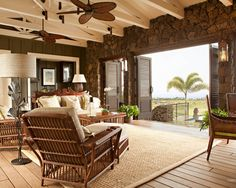 Hawaiian Plantation Retreat - Tropical - Living Room - San Francisco - by Chelsea Court Designs Hawaii Mode, Hawaii Style, Plantation Style Homes, Hawaiian Home Decor, Hawaiian Homes, Style At Home, Rattan, Tropical Interior, Beach Cottages