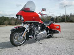 how to ride a harley davidson road glide Harley Road Glide, Harley Davidson Road Glide, Harley Davidson Bikes, Harley Davidson Merchandise, Road Glide Special, Motorcycle Events, Custom Baggers, Bank Holiday Weekend, Dirtbikes