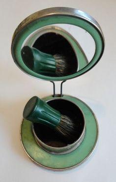 Green Celluloid Art Deco Travel Shaving Mirror & Bakelite Brush Set Primitive Bathrooms, Design Movements, Art Deco Home, Wet Shaving, Vintage Vanity, Art Deco Design, Art Deco Jewelry, Vintage Beauty, Art Deco Fashion