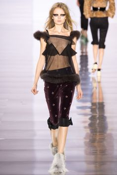 Maison Margiela Fall 2015 Ready-to-Wear Fashion Show