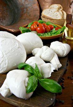 Mozzarella di bufala (Campania)