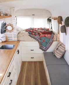 Van Conversion Interior, Camper Van Conversion Diy, Van Conversion Bed Ideas, Vw Camper Conversions, Diy Van Conversions, Rangement Caravaning, Sprinter Van Conversion, Camping Diy, Camping Gear