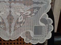 Resultado de imagen de mantel de tul bordado