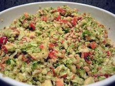 Brokkolisalat mit Pinienkernen - Thermomix