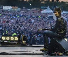 Noel Gallagher and Oasis — sladesounds: Noel Gallagher Heaton Park. Oasis, Noel Gallagher, Britpop, Great British, A Good Man, Park, Concert, Champagne, Legends