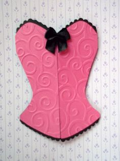 gorgeous pink and black corselet for Lingerie Party Invitation. Made in Brazil - Rio de Janeiro City http://www.amornopapel.com/2012/04/convite-corpete-para-cha-de-lingerie.html