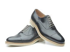 SHOEPASSION.com — Black cap-toe Oxford with light outsole