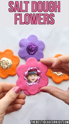 cute gifts SALT DOUGH FLOWER MAGNETS - such a cute gift idea for Mothers day! Love how kids can decorate their own magnets to make as an easy Mothers day craft for kids. Easy Mother's Day Crafts, Mothers Day Crafts For Kids, Diy Mothers Day Gifts, Crafts For Kids To Make, Kids Crafts, Kids Diy, Decor Crafts, Mothers Day Ideas, Baby Crafts