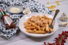 8 mennyei baconös tészta, amiből garantált a repeta   Mindmegette.hu Mozzarella, Chicken Wings, Bacon, Dairy, Pasta, Cheese, Meat, Food, Essen