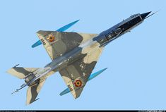 Romania Air Force Lancer in Satu Mare Chengdu J 7, Russian Military Aircraft, Mig 21, Old Planes, Russian Air Force, Aircraft Painting, Military Jets, Aircraft Pictures, War Machine