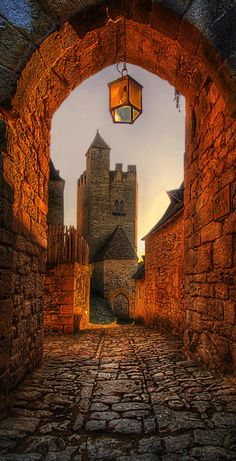 Beynac-et-Cazenac, Dordogne, France (Photographer: Jimmy McIntyre)