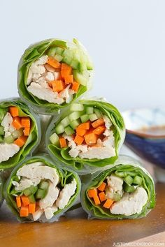 12 Savory Spring Rolls for Healthy Lunches Easy Japanese Recipes, Asian Recipes, Japanese Food, Healthy Recipes, Ethnic Recipes, Chinese Food, Chinese Desserts, Chicken Spring Rolls, Chicken Rice Paper Rolls