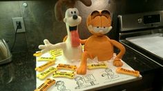 Garfield and odie cake by Marian Rescigno.