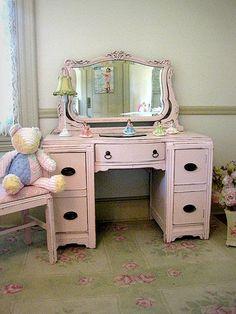 Pretty-in-Pink Art Deco Vanity