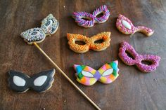 Mil Grageas, Mascarade party plans?? These sophisticated cookies will inspire you!!