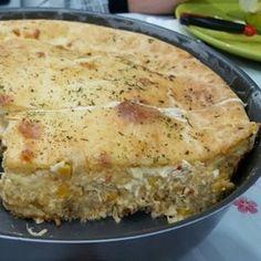 A Torta de Frango Cremosa de Liquidificador é prática, deliciosa e derrete na boca. Faça essa torta de frango para o lanche e receba muitos elogios!