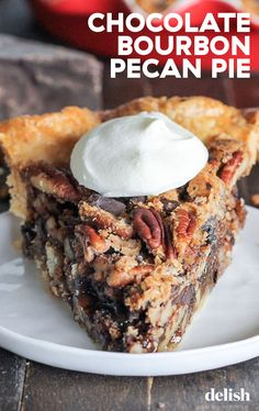 Dark Chocolate-Bourbon Pecan Pie Is The New Classic ~ Delish Köstliche Desserts, Delicious Desserts, Dessert Recipes, Yummy Food, Chocolate Bourbon Pecan Pie, Chocolate Pies, Pecan Pies, Pie Pops, Brownie