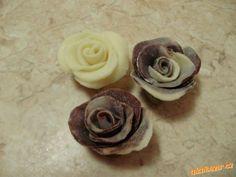 čokoládová hmota na zdobení, či potahování dortů ( bílá + melír)